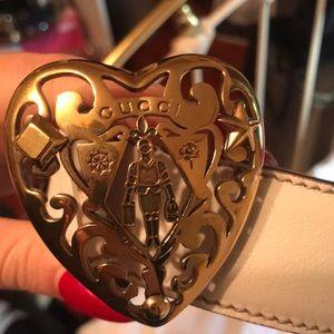 White & Gold Authentic Gucci Crest Belt